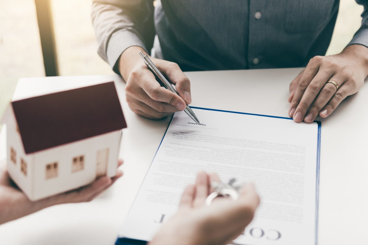 ¿Abrir una franquicia inmobiliaria o montar una inmobiliaria?