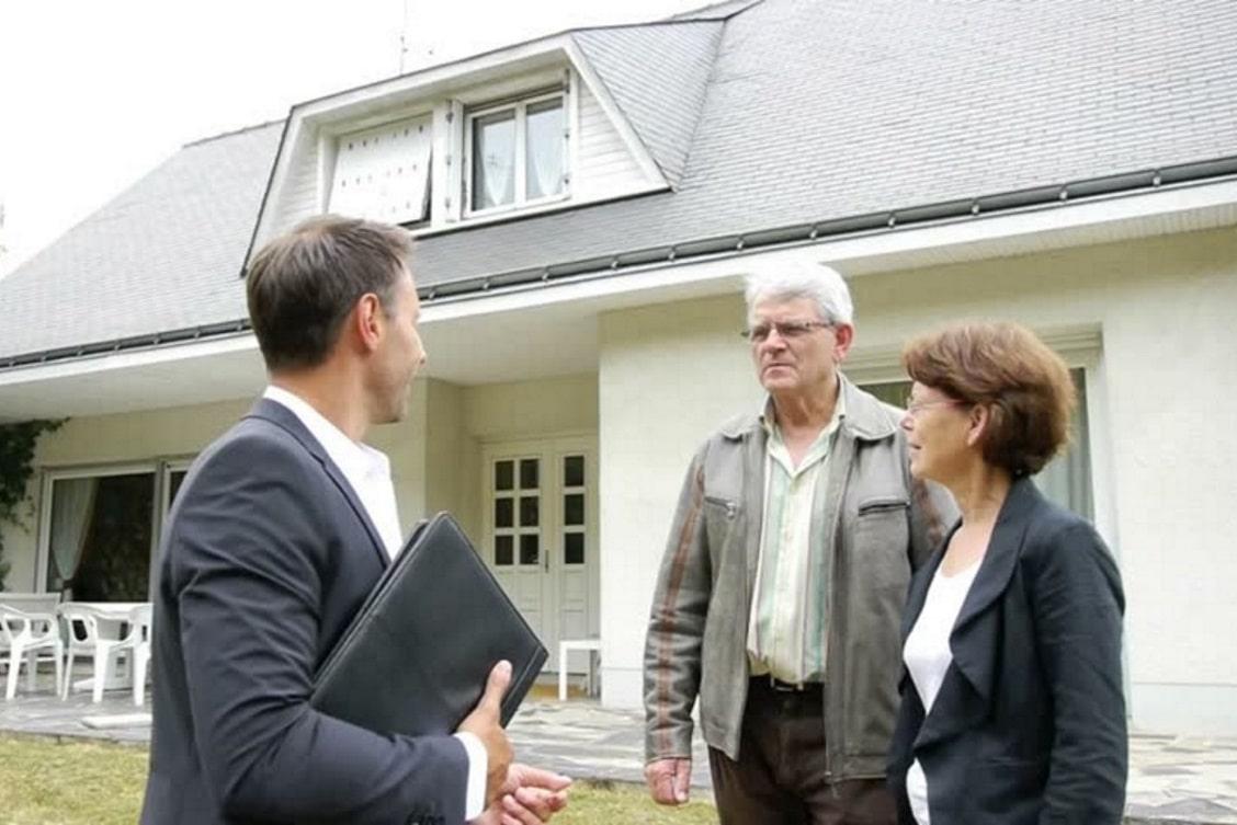 ¿Dónde buscar clientes para vender casas?